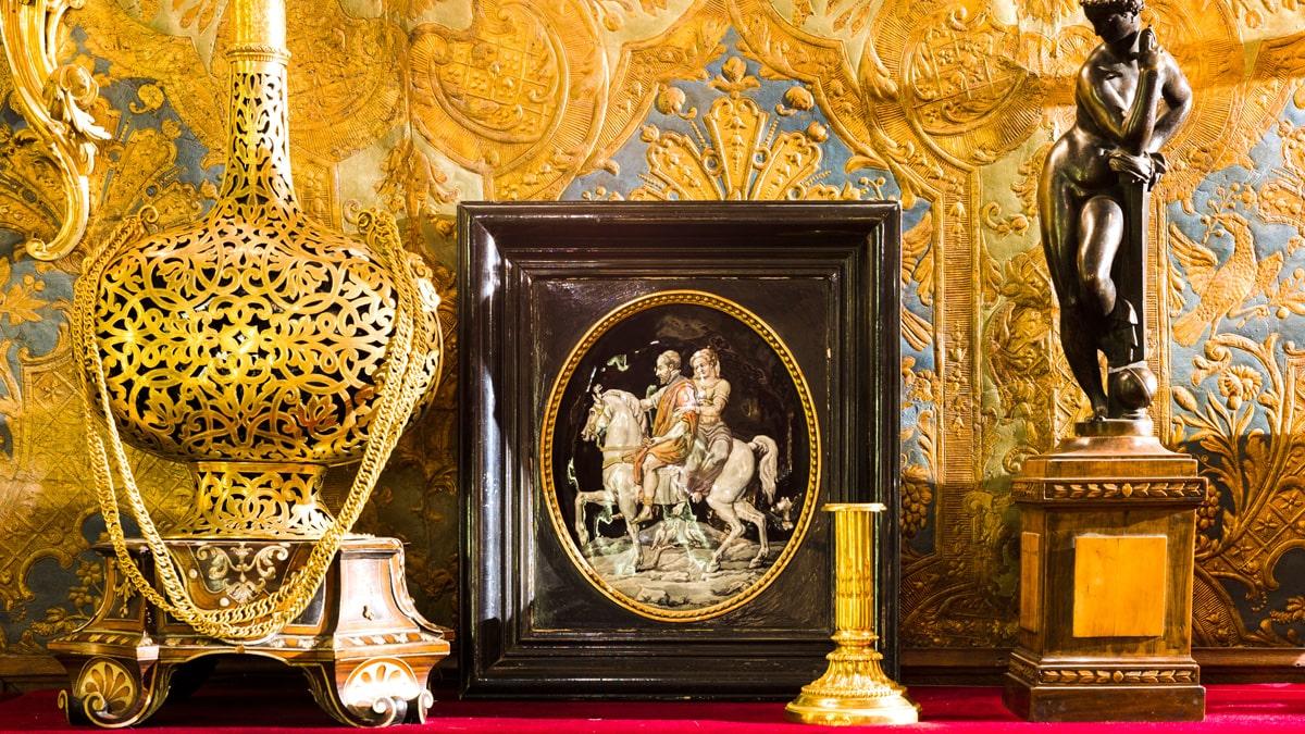 Salomon de Rothschild's Cabinet of Curiosities Della Robbia