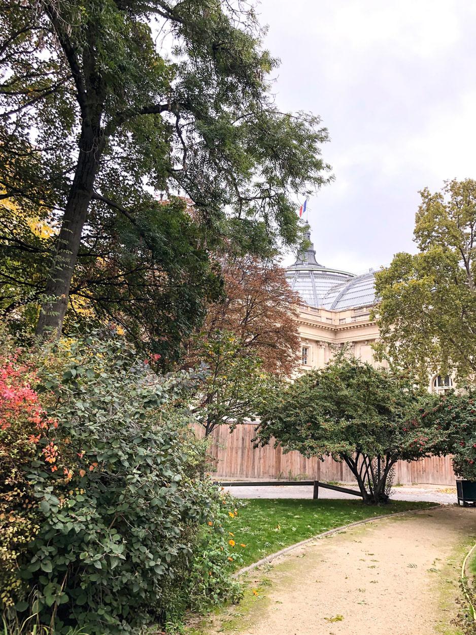 Jardin de la Nouvelle-France, Hidden Behind the Grand Palais