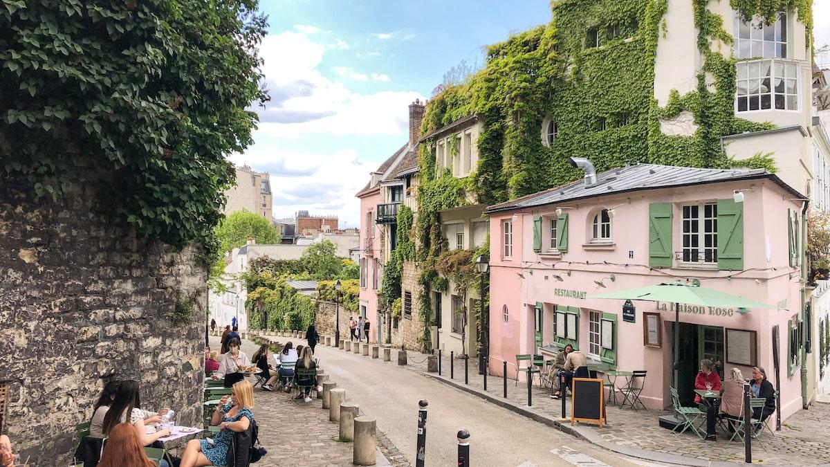 TheWaysBeyond Paris Montmartre Maison Rose Pink House
